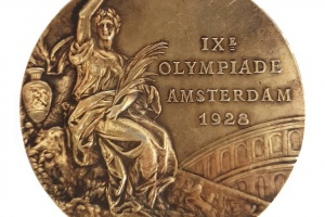 68/5339   [Olympic Games]. Cassioli, G. (1851-1942).