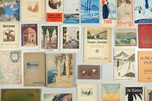 70/2463   [Tourist guides, souvenir booklets etc.]. Lot of ±70 tourist gui